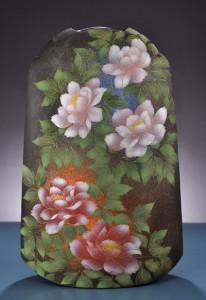 「牡丹、櫻文器」高さ74cm、50.5×23.5cm