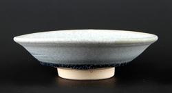 粘土:白土 焼成:酸化焔1,230度、キープ30分