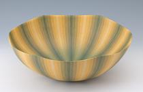 福野道隆「緑彩陶鉢」 高さ16.5cm、径48.5cm