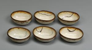 七尾佳洋「白釉練込楕円小鉢」高さ4.5cm、10×12.5cm