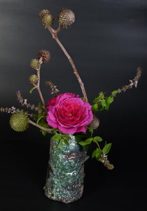 「窯変筒花入」高さ17cm、径10cm