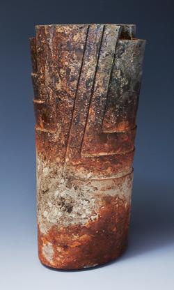 「花器」高さ63cm、22×33.4cm