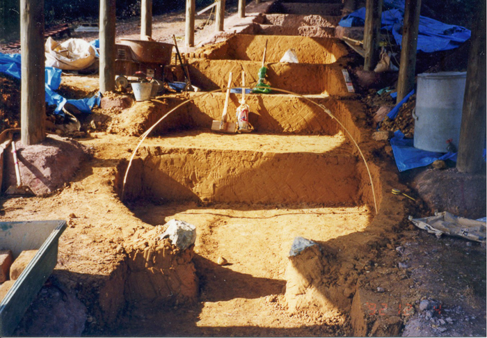 ④ 竹で胴木間(燃焼室)のいちばん大きな部分をかたどる
