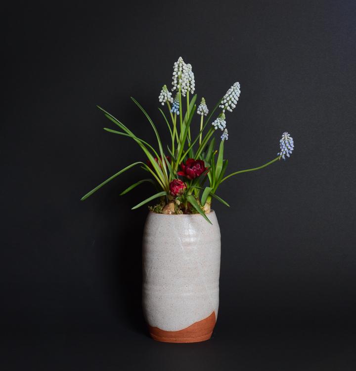 「花器」高さ22.5cm、15×13.2cm